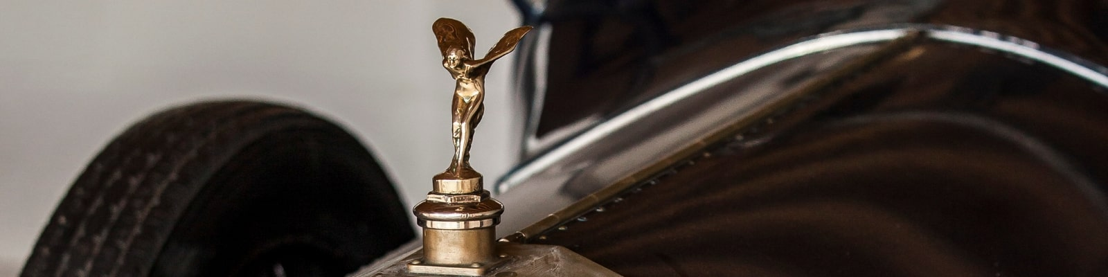 https://www.airfield.ie/wp-content/uploads/2019/01/Rolls-Royce-Silver-Lady-min.jpg