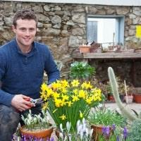 https://www.airfield.ie/wp-content/uploads/2019/02/Colm-ODriscoll-Gardener-at-Airfield-min.jpg