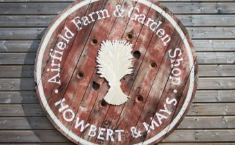 Howbert & Mays Garden Shop