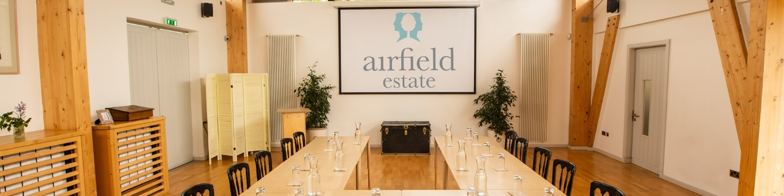 https://www.airfield.ie/wp-content/uploads/2019/06/U-shaped-style-meetings-at-Airfield-Estate-min.jpg