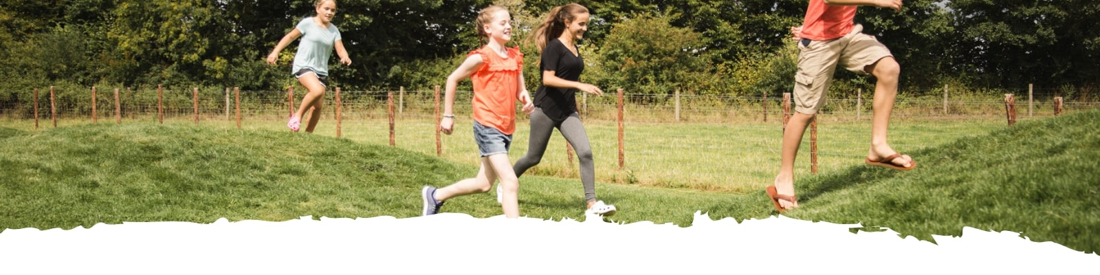 https://www.airfield.ie/wp-content/uploads/2019/07/Kids-Running-At-Airfield-Estate-min.jpg