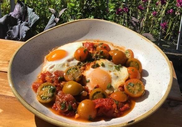 https://www.airfield.ie/wp-content/uploads/2019/08/Festival-Lunch-Overends-Kitchen-min.jpg