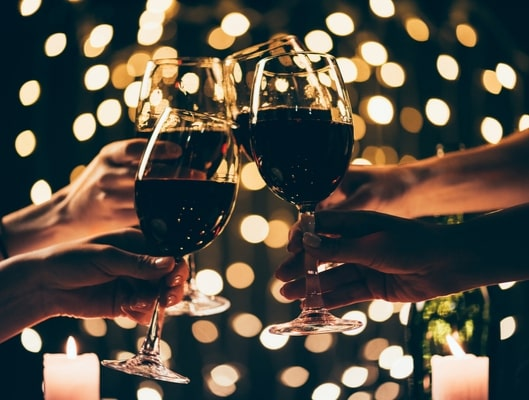 https://www.airfield.ie/wp-content/uploads/2019/08/Wine-on-deck_-Festive-Edition-min.jpg