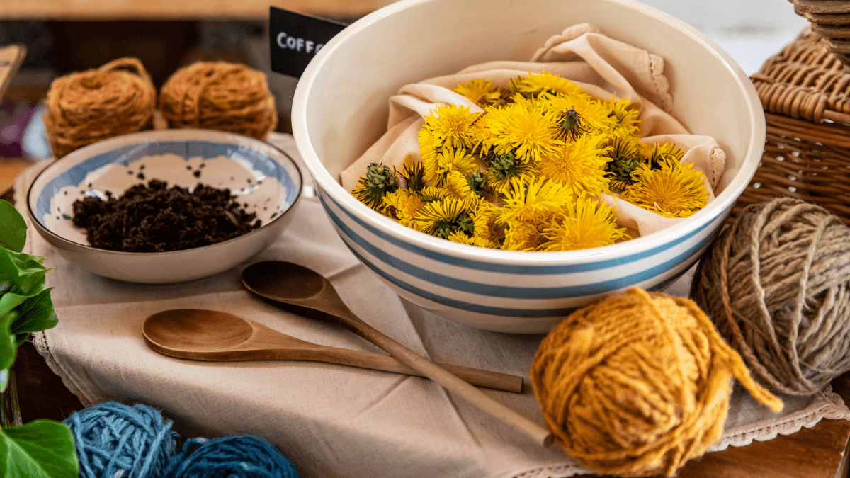https://www.airfield.ie/wp-content/uploads/2021/04/Dyeing-to-knit-Tutorial-1.png